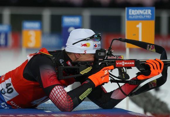 Юлиан: Юлиан Эберхард победил в спринте на этапе КМ в Ханты-Мансийске